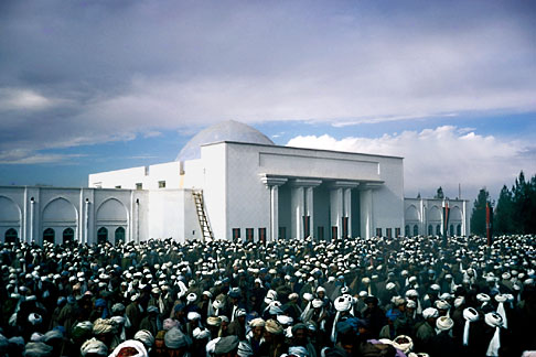 image 0-0-89 Afghanistan, Id ul Fitr prayers, Mazar i Sharif