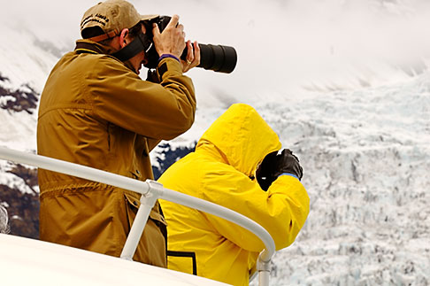 image 5-650-446 Alaska, Prince WIlliam Sound, Photographers on tour boat