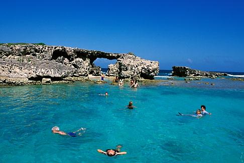image 4-602-13 Antigua, Hells Gate Island