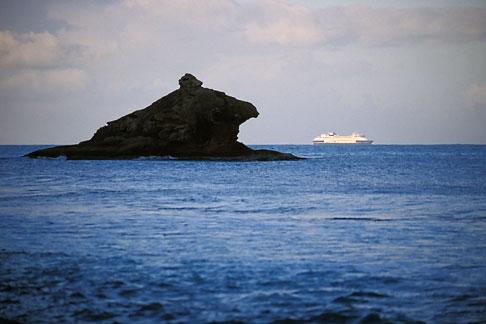 image 4-602-26 Antigua, Hawksbill Rock