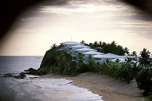 image 4-603-43 Antigua, Condos and beach