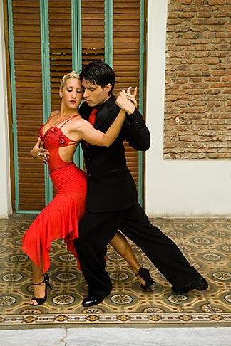 image 8-801-5501 Argentina, Buenos Aires, Tango dancers