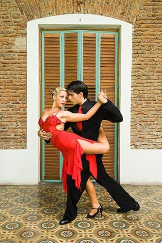 image 8-801-5529 Argentina, Buenos Aires, Tango dancers