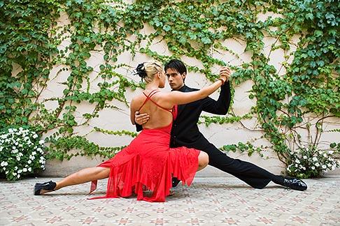 image 8-801-5596 Argentina, Buenos Aires, Tango dancers