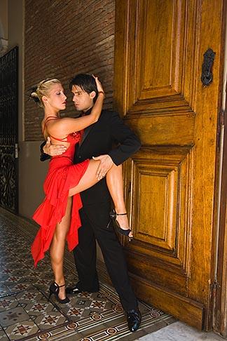 image 8-801-5626 Argentina, Buenos Aires, Tango dancers