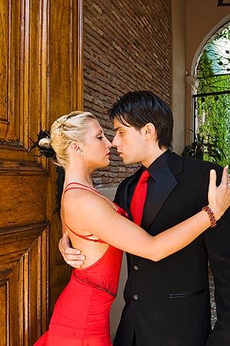 image 8-801-5646 Argentina, Buenos Aires, Tango dancers