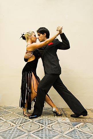 image 8-801-5838 Argentina, Buenos Aires, Tango dancers