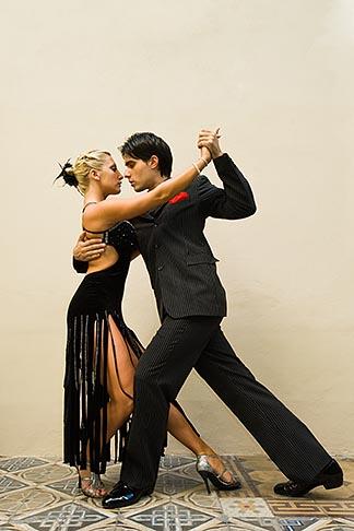 image 8-801-5840 Argentina, Buenos Aires, Tango dancers