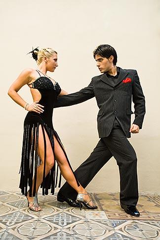 image 8-801-5842 Argentina, Buenos Aires, Tango dancers