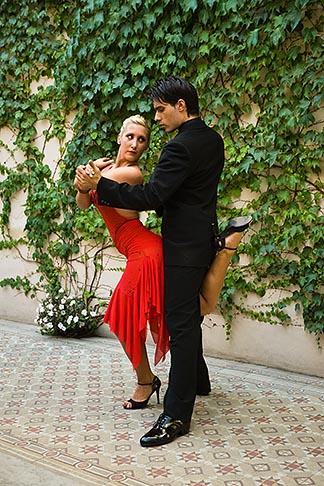 image S8-451-10611 Argentina, Buenos Aires, Tango dancers