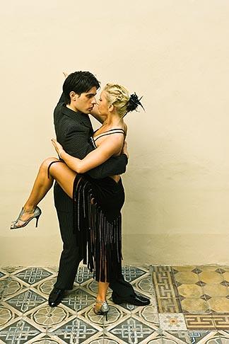 image S8-451-10933 Argentina, Buenos Aires, Tango dancers