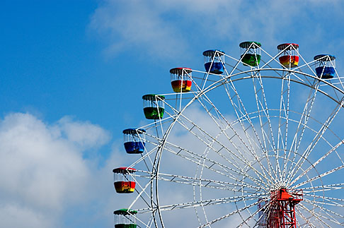 image 5-600-1451 Australia, Sydney, Ferris Wheel