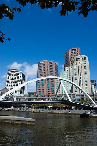 image 5-600-2043 Australia, Melbourne, Bridge