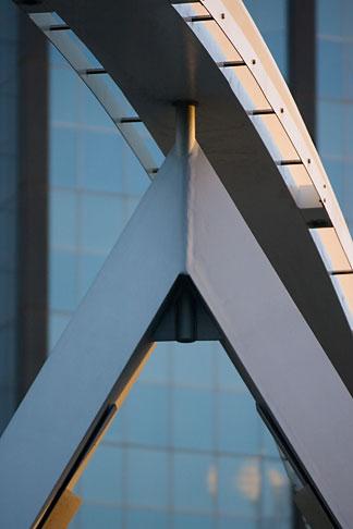 image 5-600-2206 Australia, Melbourne, Pedestrian Bridge across the Yarra River