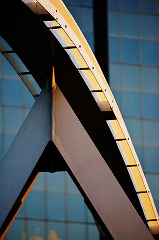 image 5-600-2207 Australia, Melbourne, Pedestrian Bridge across the Yarra River