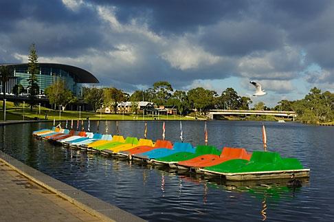 image 5-600-2386 Australia, Adelaide, Torrens Lake