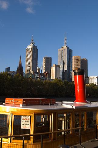 image 5-600-8708 Australia, Melbourne, Boat on Yarra River