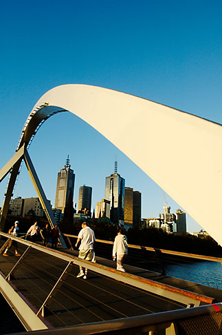 image 5-600-8721 Australia, Melbourne, Pedestrian Bridge across the Yarra River