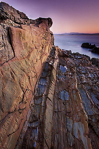 image 5-601-1 Australia, Victoria, Mallacoota, Rock formations on beach
