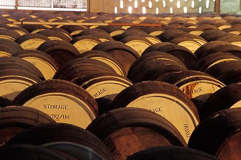 image 0-200-49 Barbados, Bridgetown, Rum barrels