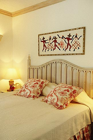 image 3-388-13 Barbados, Holetown, Hotel guestroom