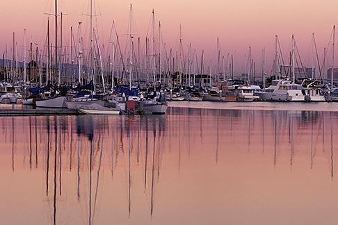 image 0-432-21 California, Emeryville, Emeryville Marina