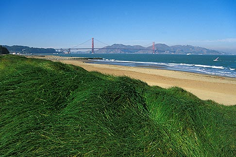 image 1-75-77 California, San Francisco, GGNRA, East Beach, Crissy Field
