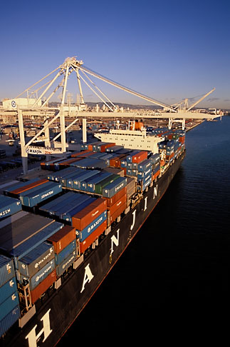 image 2-238-46 California, Oakland, Port of Oakland, Hanjin Terminal
