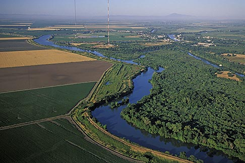 image 2-588-1 California, Delta, Aerial view of Mokelumne River at Walnut Creek