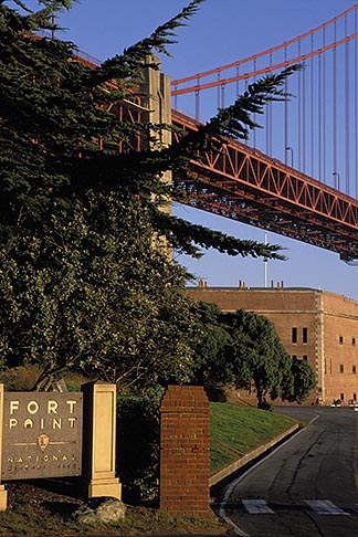 image 2-610-88 California, San Francisco, Fort Point, GGNRA