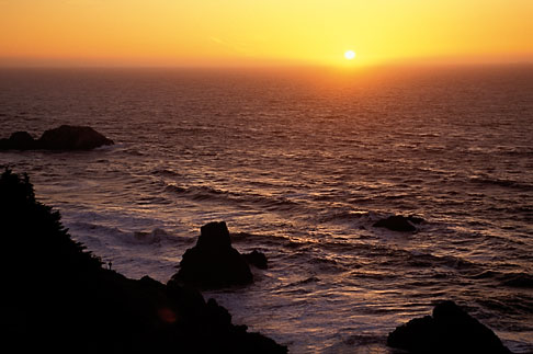 image 4-493-33 California, San Francisco, Sunset over Pacific Ocean from Lands End, GGNRA