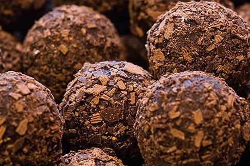 image 8-740-1103 Belgium, Bruges, Belgian chocolates