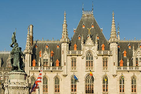 image 8-740-765 Belgium, Bruges, Provincial Palace and statue of Jan Breydel and Pieter de Coninck, Market Square, Brugge Markt