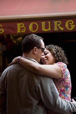 image 8-746-2825 Belgium, Brussels, Romantic couple in street
