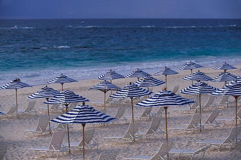 image 1-600-5 Bermuda, Elbow Beach, umbrellas