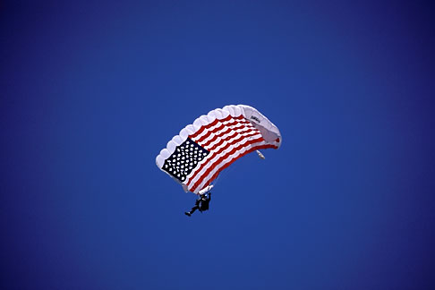 image 1-390-28 Flag, US flag parachute jumper