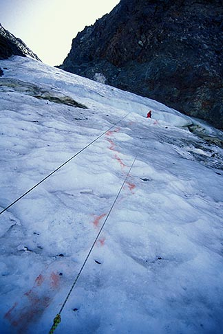 image 2-148-8 California, Sierra Nevada, Dana Couloir, during ice climbing rescue