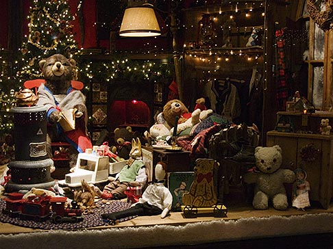 image 4-992-114 Still Life, Shop window, Christmas decorations