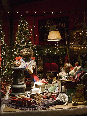 image 4-992-115 Still Life, Shop window, Christmas decorations