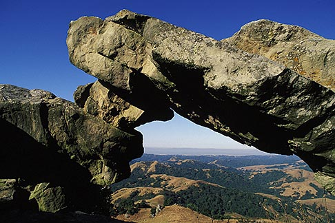image 5-351-5 California, East Bay Parks, Natural arch, Las Trampas Regional Park