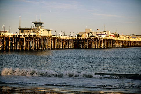 image 7-601-38 California, Santa Cruz, Santa Cruz Wharf