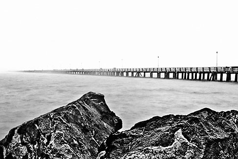 image S5-144-1289 California, Berkeley, Pier