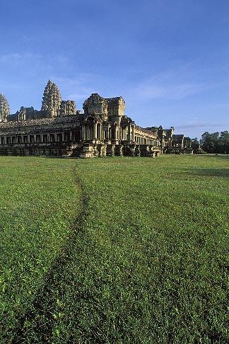 image 0-400-25 Cambodia, Angkor Wat, Main temple