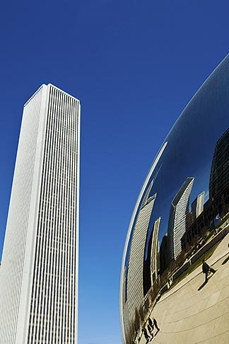 image 6-435-4740 Illinois, Chicago, Millennium Park sculpture and office building