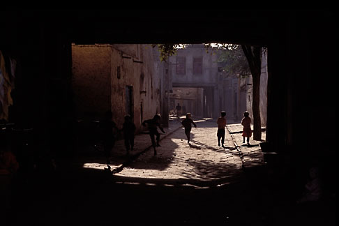 image 4-422-32 China, Kashgar, Children playing in alleyway