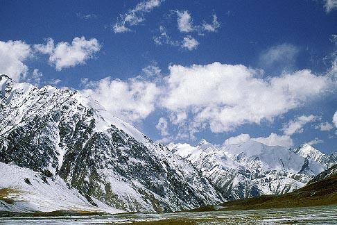 image 4-445-25 China, Pamirs, Near the Khunjerab pass on the Karakoram Highway
