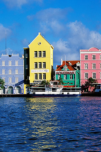 image 3-435-40 Curacao, Willemstad, Handelskade waterfront, historic buildings