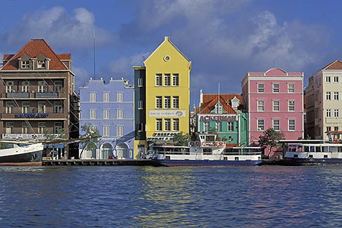 image 3-436-3 Curacao, Willemstad, Handelskade waterfront, historic buildings