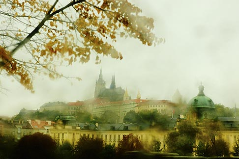 4-960-1458  stock photo of Czech Republic, Prague, Hradcany castle in the rain