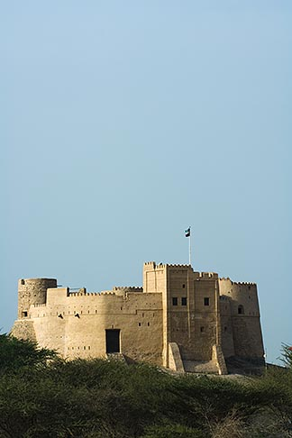image 8-730-396 United Arab Emirates, Fujairah, Fujairah Fort, built in 1670, oldest fort in the Emirates